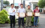 Thị xã Dĩ An: Khen thưởng cá nhân bắt cướp