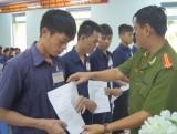 Công an tỉnh: Trao quyết định giảm thời hạn chấp hành án phạt tù dịp Quốc khánh 2-9