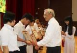 Khen thưởng học sinh giỏi: Tiếp thêm ngọn lửa đam mê học tập