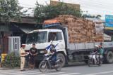 Xử lý xe chở hàng quá khổ, quá tải