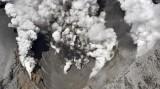 Núi lửa Nhật Bản phun, 8 du khách bị thương