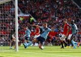 Man Utd 2-1 West Ham: Thắng trong sợ hãi