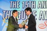 Bia Sagota nhận giải thưởng The Guide Awards 2013-2014