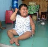 Bé 5 tuổi bị não úng thủy cần giúp đỡ