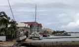 Bão lớn hoành hành, đe dọa các đảo ngoài khơi Đại Tây Dương