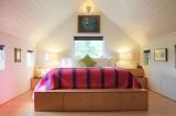 Ý tưởng thiết kế tủ quần áo cho phòng ngủ hẹp