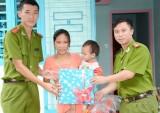 Trao nhà nhân ái cho hộ khó khăn tại xã Phú An