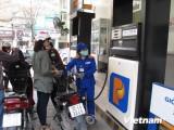 Giá xăng RON 92 tại Petrolimex giảm 550 đồng mỗi lít