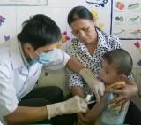 Phú Giáo: 7.820 trẻ được tiêm vắc-xin sởi - rubella đợt 1