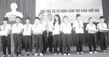 Quỹ Bảo trợ trẻ em TX.Thuận An:  Trao học bổng cho học sinh nghèo vượt khó