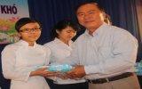 Doanh nghiệp tư nhân Kim Châu:  Trao học bổng cho học sinh có hoàn cảnh khó khăn