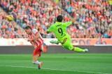 Suarez giải cứu Barca