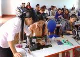 Tạo việc làm ổn định  cho lao động nữ ở nông thôn