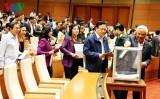 Cử tri cả nước nhận xét về kết quả Quốc hội lấy phiếu tín nhiệm
