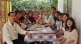 Một gia đình có 10 nhà giáo