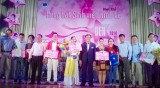 Lê Thúy Ngọc giành giải nhất Hội thi tiếng hát sinh viên kinh tế UEH IDol năm 2014