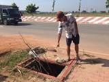 Nhiều nắp cống trên đường Nguyễn Thị Minh Khai bị mất