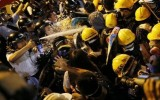 Hong Kong điều 4.500 cảnh sát đối phó với biểu tình căng thẳng