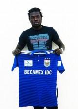 Bình Dương bất ngờ ký hợp đồng với tiền vệ Moses