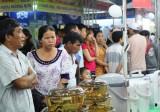 Hội chợ ngành công thương vùng Đông Nam bộ - Triển lãm ngành thủ công mỹ nghệ năm 2014: Nhiều khách hàng, thêm đối tác