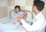 Nhập viện cấp cứu vì bị người nước ngoài hành hung