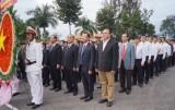 Lãnh đạo tỉnh Bình Dương viếng Nghĩa trang liệt sĩ nhân kỷ niệm 70 năm Ngày thành lập Quân đội nhân dân Việt Nam