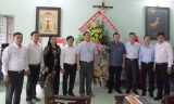 Ban Dân vận Trung ương thăm và chúc mừng chức sắc Công giáo và giáo dân Bình Dương