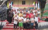 Trung tâm Giáo dục trẻ em khiếm thính Thuận An: Tặng quà cho trẻ em lớp học tình thương