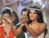 Hoa hậu Thế giới 2011 Ivian Sarcos đến Việt Nam