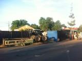 Tai nạn giữa xe khách và container, nhiều người bị thương