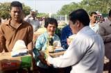 Hội Chữ thập đỏ tỉnh: Thăm và tặng quà cho đồng bào nghèo Campuchia