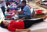 150 nhân viên, khách hàng Siêu thị Co.opmart Bình Dương: Tham gia hiến máu tình nguyện