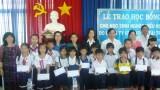 Phú Giáo: Trao học bổng cho học sinh nghèo hiếu học