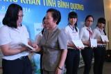 """Bà Nguyễn Thị Lệ Trinh, Giám đốc Quỹ Bảo trợ trẻ em: Hy vọng được làm """"cầu nối mùa xuân"""""""