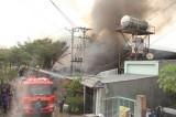 Cháy kho chứa nguyên phụ liệu may mặc tại phường Tân Phước Khánh, TX.Tân Uyên