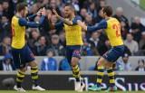 Arsenal tránh vết xe đổ, vào vòng năm Cup FA