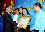 Hội LHTN tỉnh đón nhận Huân chương Lao động hạng Nhì