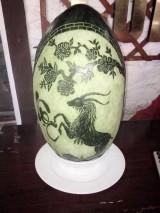 350.000 đồng/quả dưa hấu khắc hình dê chưng Tết