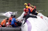 9 người chết, nhiều người mắc kẹt trong vụ máy bay rơi ở Đài Loan