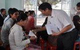 TX.Thuận An: Trao 1.200 phần quà cho công nhân lao động khó khăn