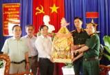 Lãnh đạo huyện Phú Giáo thăm và chúc Tết các đơn vị quân đội đóng chân trên địa bàn