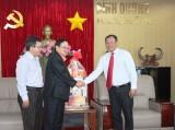 Ban giám hiệu trường Đại học Việt-Đức thăm, chúc tết lãnh đạo tỉnh