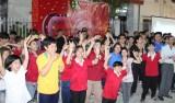 """Công ty TNHH 1 thành viên khách sạn Becamex: Tổ chức chương trình """"Chung tay một tấm lòng"""""""