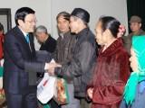 Chủ tịch nước tặng quà Tết cho chiến sỹ, nhân dân Trường Sa
