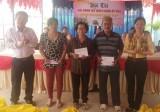 Xã An Sơn, TX.Thuận An trao 120 phần quà cho các hộ nghèo