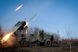 Các bên tham chiến ở Ukraine ký văn bản về kiểm soát rút vũ khí