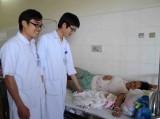 Bác sĩ hiến máu cứu mẹ con sản phụ