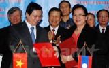 Việt Nam – Lào ký kết hiệp định thương mại