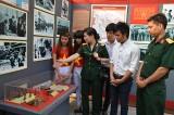 Quân đoàn 4: Khai mạc triển lãm ảnh, sách, tư liệu hiện vật kháng chiến