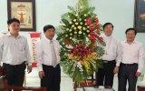 Lãnh đạo tỉnh thăm và chúc mừng Giám mục Giáo phận Phú Cường nhân ngày Thánh lễ bổn mạng